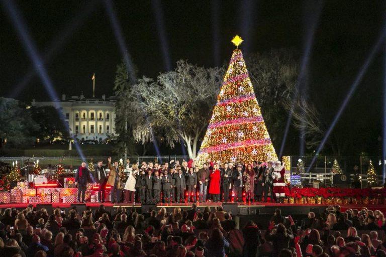 2017 National Christmas Tree Lighting - Papa HoHo